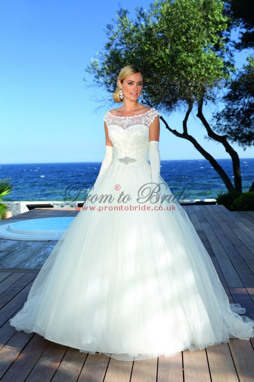Beautiful Wedding Dresses In Hertfordshire Inspiration - Wedding ...